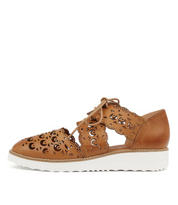 OZZIE Flatforms in Tan Leather