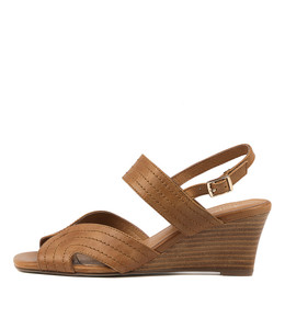UJA Wedge Sandals in Tan Leather
