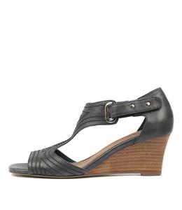 UNDINE Wedge Sandals in Navy Leather