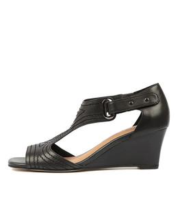 UNDINE Wedge Sandals in Black Leather
