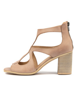 WINFOLM Heeled Sandals in Cafe Leather
