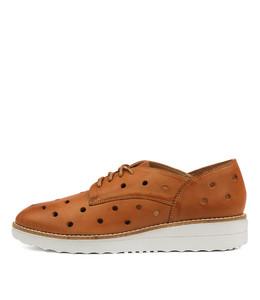 OAKER Flatforms in Tan Leather