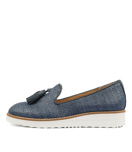 OLAMAS Flatforms in Navy Raffia