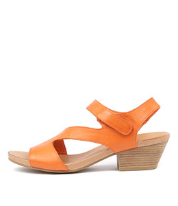 COMEDY Heeled Sandals in Orange Leather