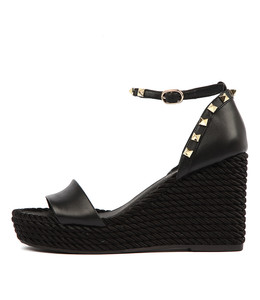 ARDENI Wedge Sandals in Black Leather