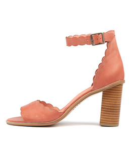 ZAVIER Heeled Sandals in Brick Leather