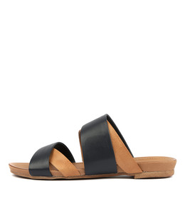 CHARLS Sandals in Navy/ Tan Leather