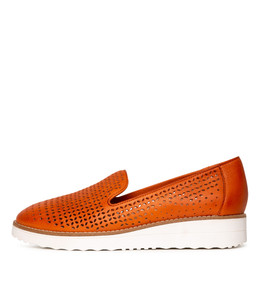 ORVEL Flatforms in Orange Leather