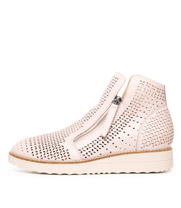 ONBEN Boots in Pale Pink Leather