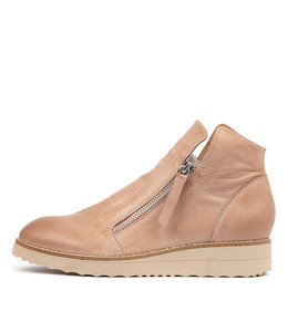 OHMY Boots in Cafe Leather/ Nude Sole
