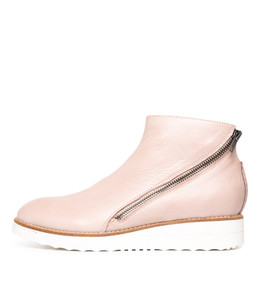 ORILLA Boots in Pale Pink Leather