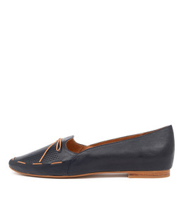SONGA Flats in Navy/ Dark Tan Leather