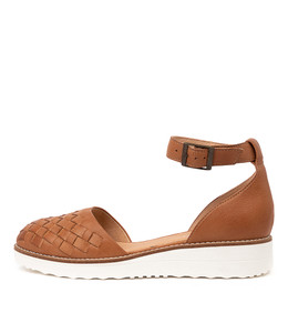 OGAL Flats in Dark Tan Leather