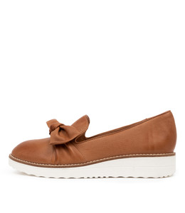 OVER Flatforms in Dark Tan Leather