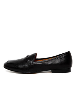 MITCHEL Flats in Black Leather