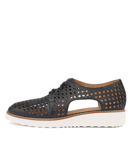 ONSTAGE Flatforms in Navy Leather