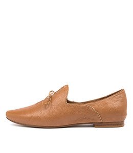 SOMMER Flats in Dark Tan Leather