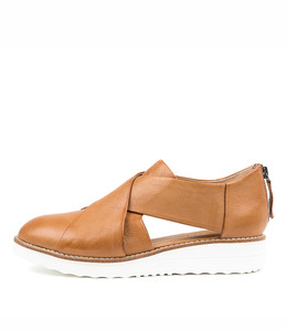 OTHO Flatforms in Dark Tan Leather