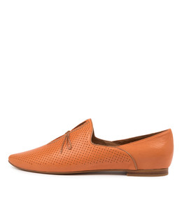 SAGONA Flats in Bright Orange Leather