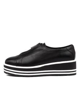 SHELBA Sneakers in Black Leather