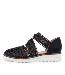 OLAY Flatforms in Navy Leather