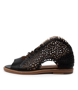 NISSARY Sandals in Black Leather