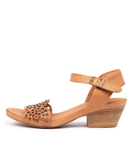 CRADLES Heeled Sandals in Tan Leather