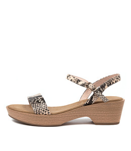 RICKI Sandals in Nude/ Black Snake Leather