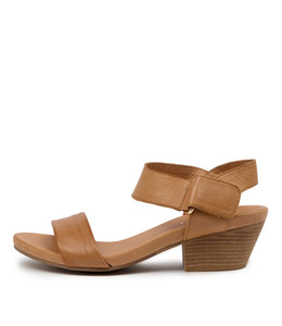 CHRISIE Sandals in Dark Tan Leather