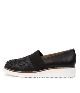 OSCAR Flatforms in Black Leather
