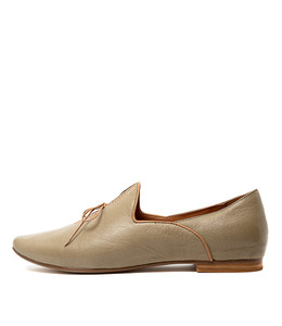SOMMER Flats in Khaki Leather
