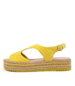 ALLIE Sandals in Yellow Suede
