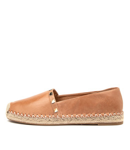 TOPPI Flats in Tan Leather
