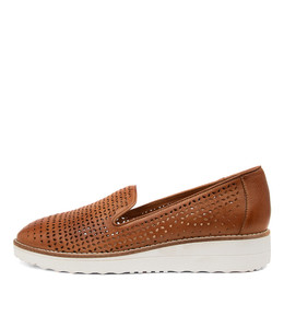 ORVEL Flatforms in Dark Tan Leather