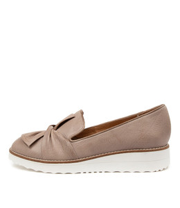 OCLEM Flatforms in Taupe Leather