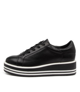 STORY Sneakers in Black Leather