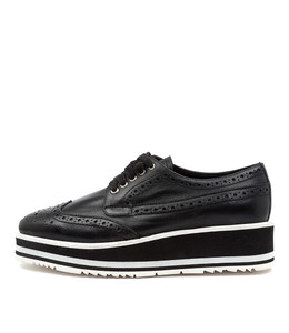 SANSI Sneakers in Black Leather