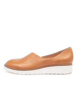 OHDEAR Flats in Dark Tan Leather