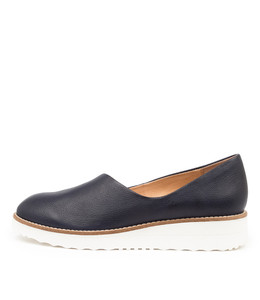 OHDEAR Flats in Navy Leather