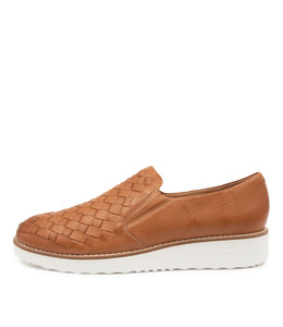 OSCAT Flats in Dark Tan Leather