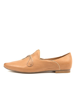 SOMMER Flats in Dark Tan/ Latte Leather