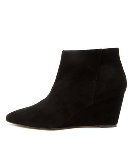 WINK Ankle Boots in Black Suede