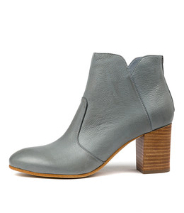 UPCLIMB Ankle Boots in Steel Leather