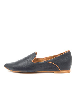 SUNSET Flats in Navy/ Tan Leather