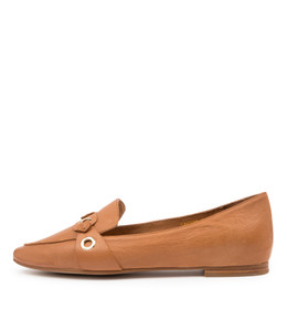 SANTOS Flats in Tan Leather