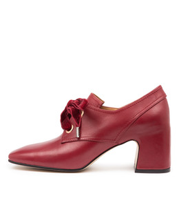 FARISH Mid Heels in Pinot Leather