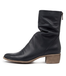 JOETTE Boots in Navy Leather