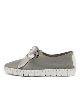 KRISTA Flats in Grey Leather