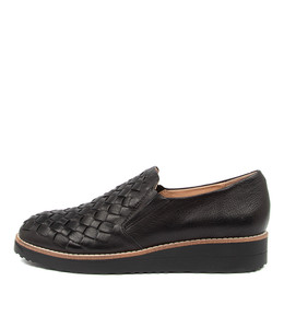 OSCAT Flats in Black Leather/ Black Sole