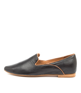 SUNSET Flats in Black/ Tan Leather